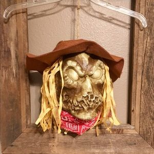 Halloween Animated Talking Light Up Scarecrow Head